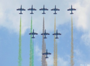 """Esquadrilha """"Frecce Tricolori"""", da Força Aérea Italiana. Foto Plinio Lins"""