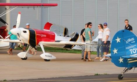 Marcos Geraldi e o CEA-390 Mehari, acrobático ilimitado projetado pela UFMG, também já esteveram presente nos treinos.