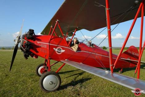 Um Travel Air 400 também é utilizado exclusivamente para voos panorâmicos. Foto: Aero Vintage Academy