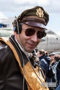 """Ray-Ban deverá repensar o título da sua série de óculos 'Aviator"""". E os fabricantes de jaquetas idem."""